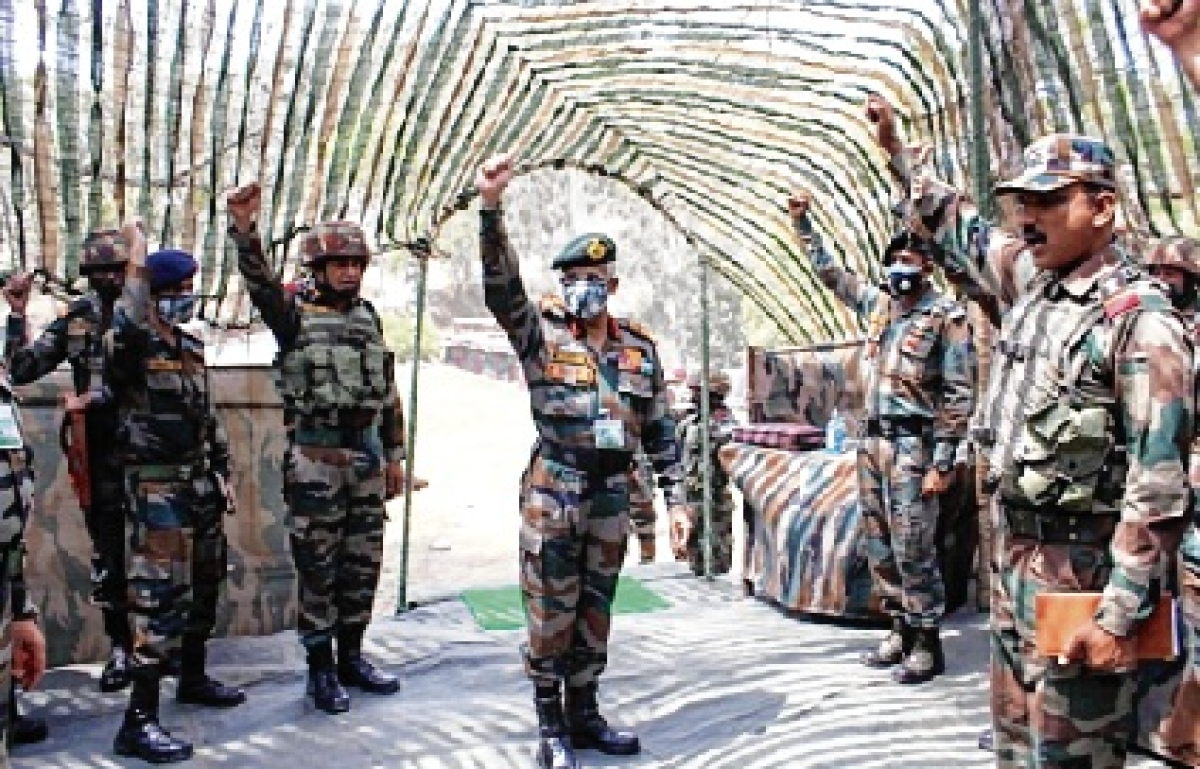 Army chief reviews security along LoC