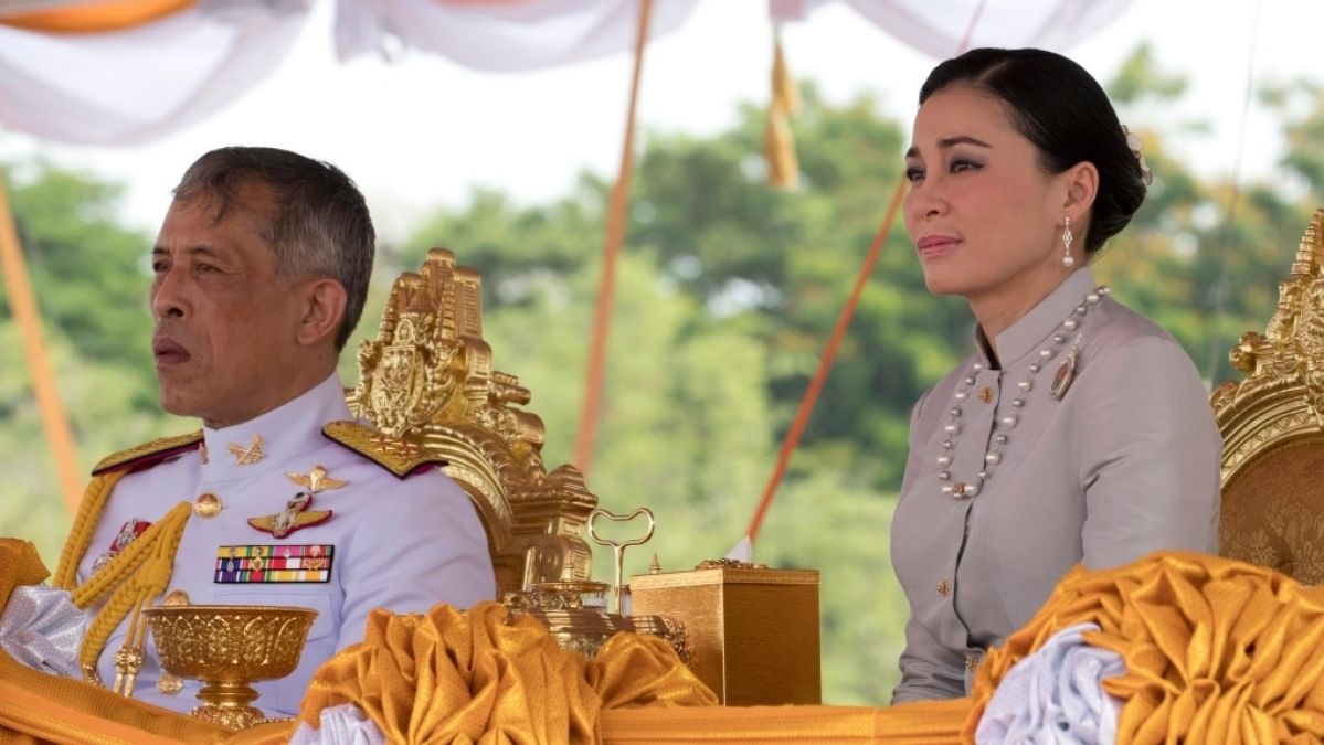 Thai teen prosecuted for insulting monarchy