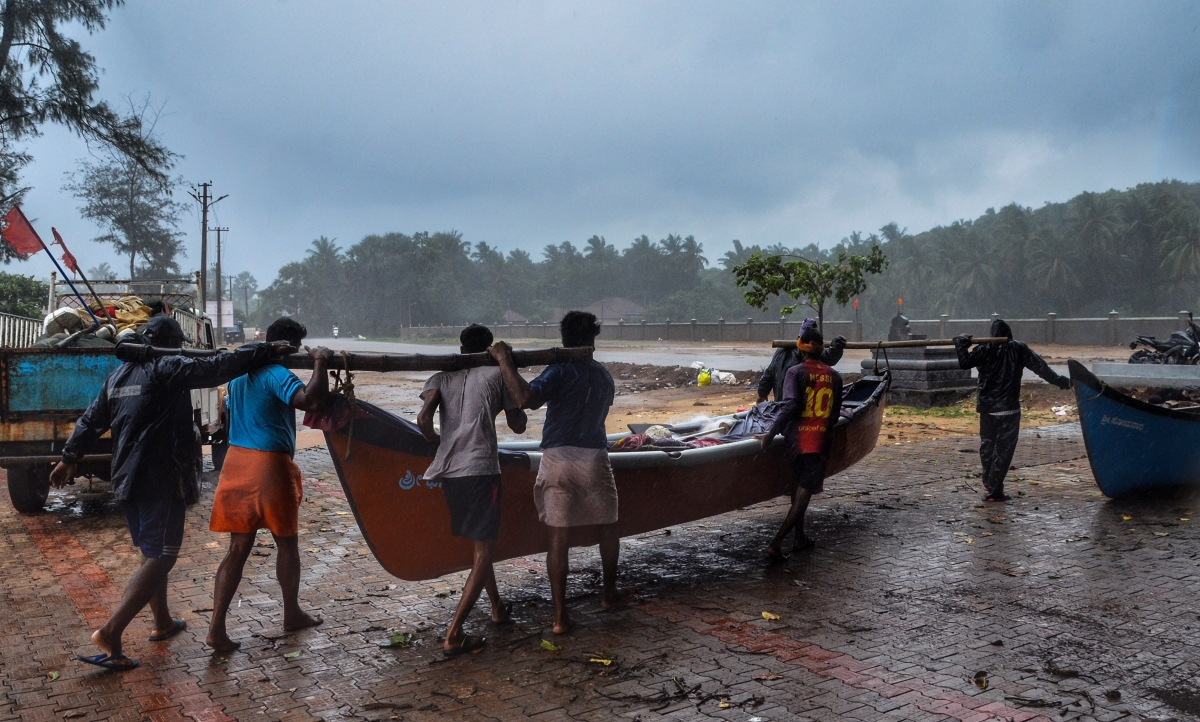 Cyclone Tauktae hits Karnataka coast with wind speed up to 75 km per hour; brings in heavy rainfall
