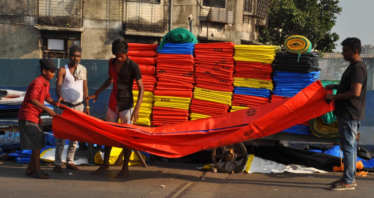 Mumbai: Traders urge Maharashtra government to allow reopening of non-essential shops in phases