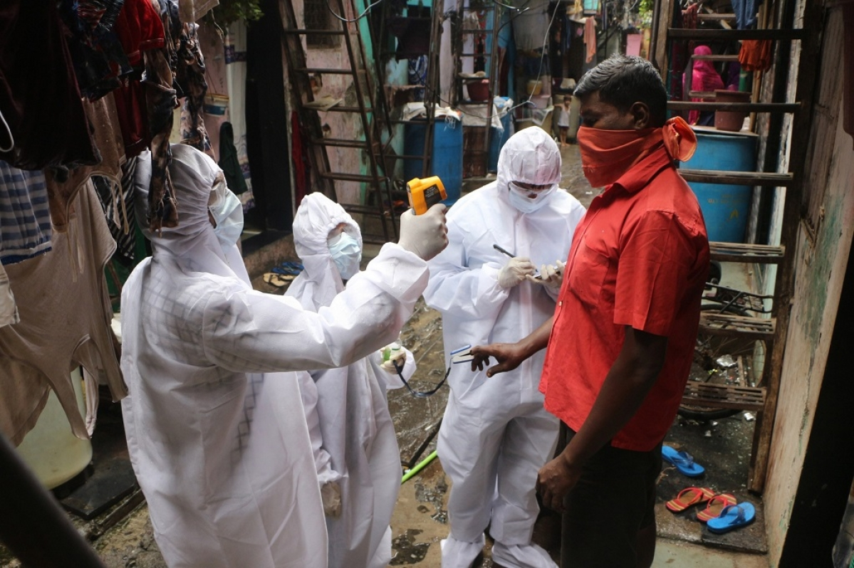 Mumbai: Nearly 10% of city's population living in Covid affected zones
