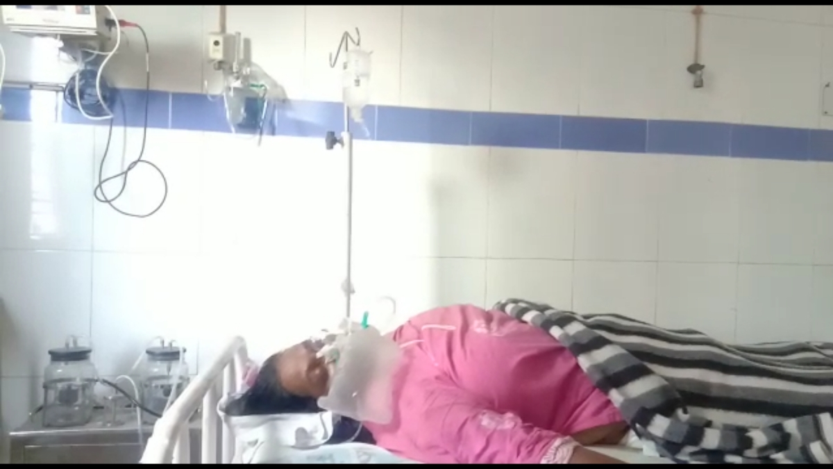 Government teacher Nazma Khan who suffered a brain haemorrhage during her duty at a Vaccination Centre admistted at District Hospital in Ujjain on Tuesday