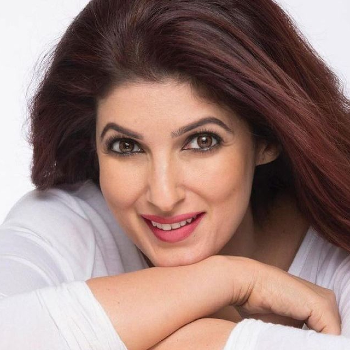 Twinkle Khanna hits back at allegations of 'richest actor' Akshay Kumar not helping enough amid COVID-19 crisis