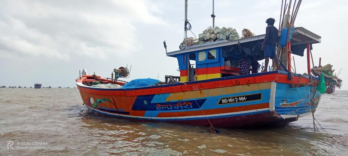 Cyclone Tauktae: 6 fishermen brave the storm for three days in Arabian Sea, return safely to Uttan coast