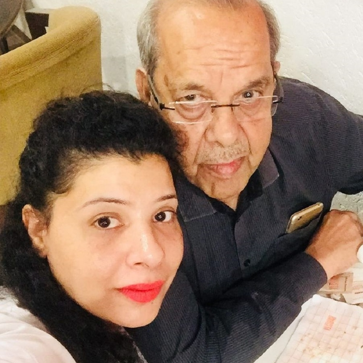 'Bigg Boss' fame Sambhavna Seth's father passes away after testing COVID-19 positive
