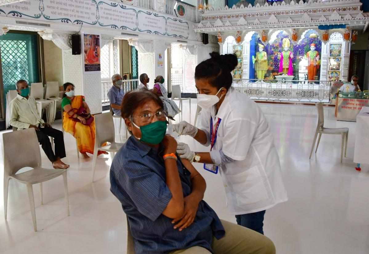 COVID-19: Maharashtra vaccination tally crosses 2.1 crore mark