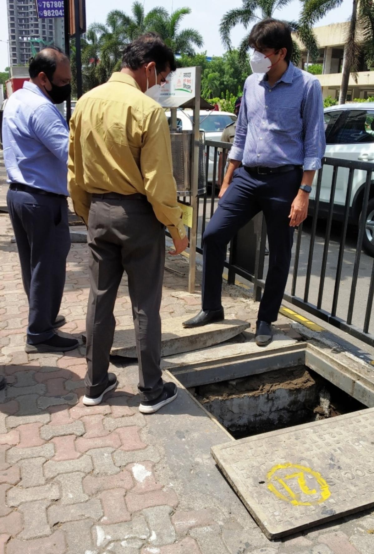 Navi Mumbai: Civic body chief Abhijit Bangar inspects ongoing pre-monsoon work