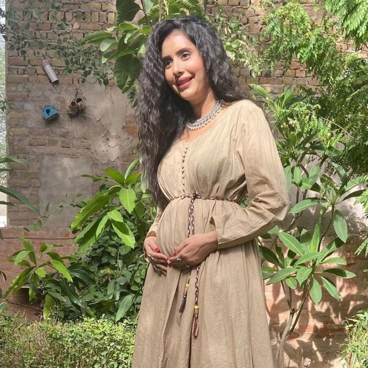 Sushmita Sen's bhabhi and TV actress Charu Asopa announces pregnancy