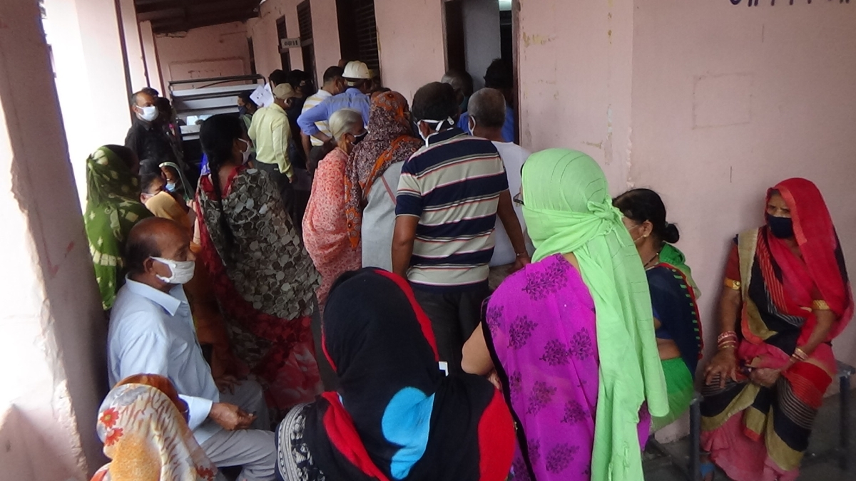 Nagda: Angry residents question government's preparedness over availability of vaccines as many remain without inoculation