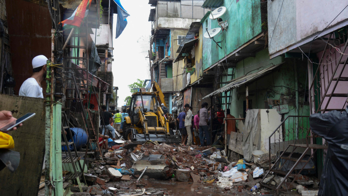Mumbai: Monsoon tragedy occurs as Malad building collapse kills 11; search operations on - see photos and videos