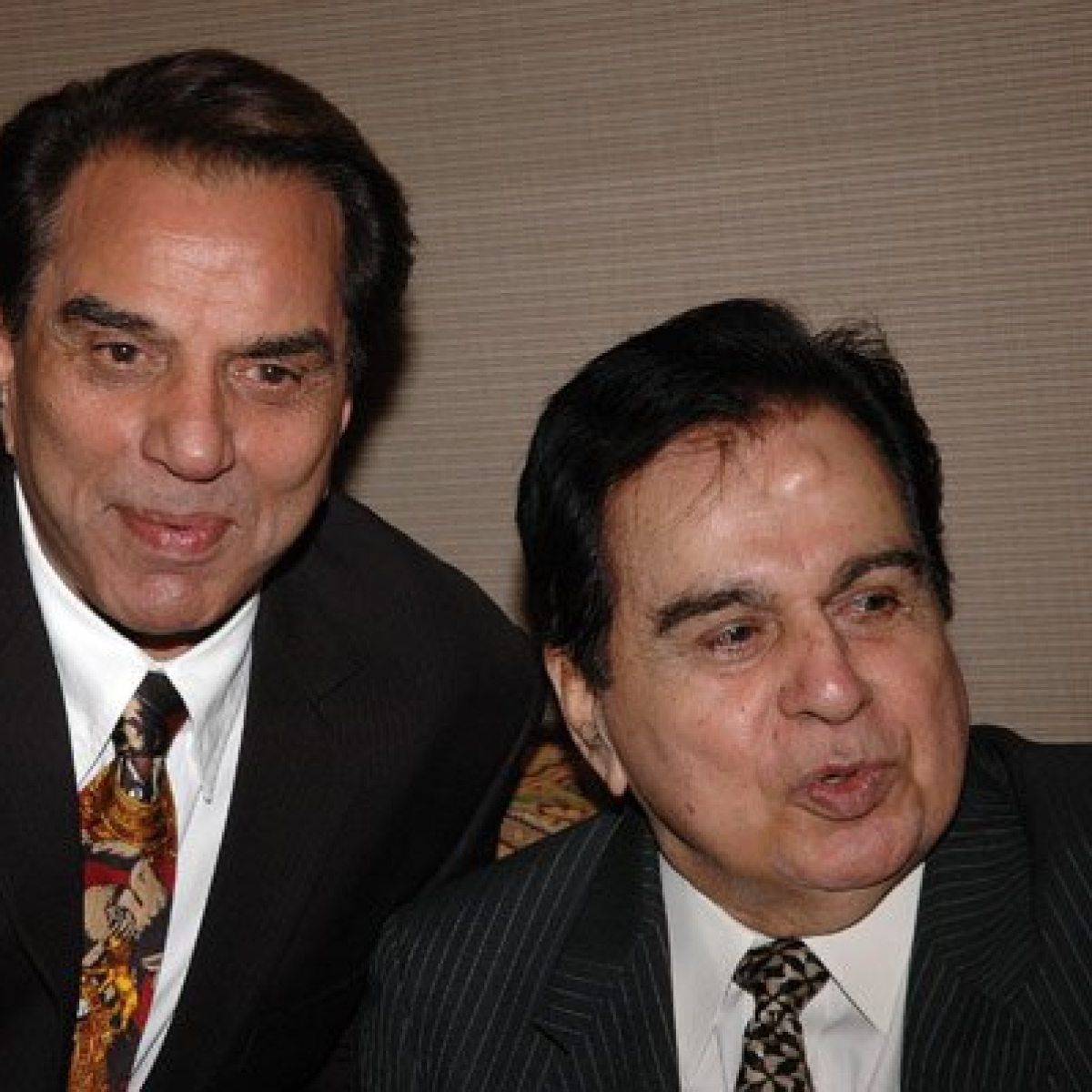 Dharmendra Deol urges fans to pray for Dilip Kumar's speedy recovery