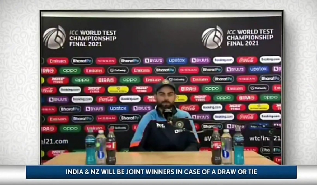 'Virat ko bottle pasand hai': Twitter not pleased with Virat not removing Coca Cola bottles in Press Conference