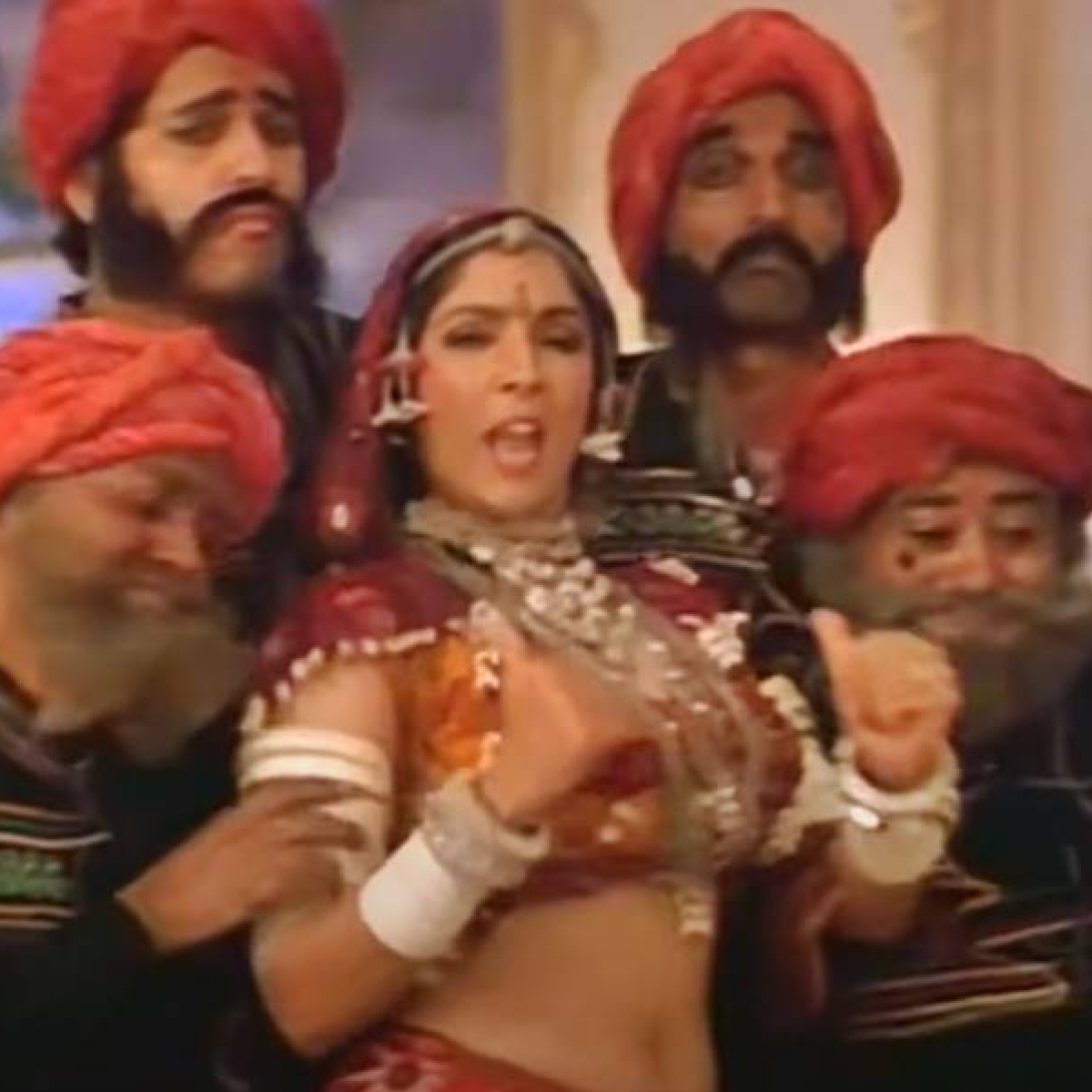 'I was presented to him with a heavily padded bra': When Subhash Ghai wanted Neena Gupta's 'choli' to be filled