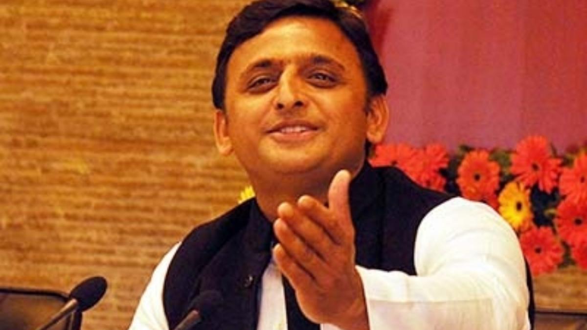 Expelled BSP MLAs meet Samajwadi Party chief Akhilesh Yadav as UP Assembly polls draw closer
