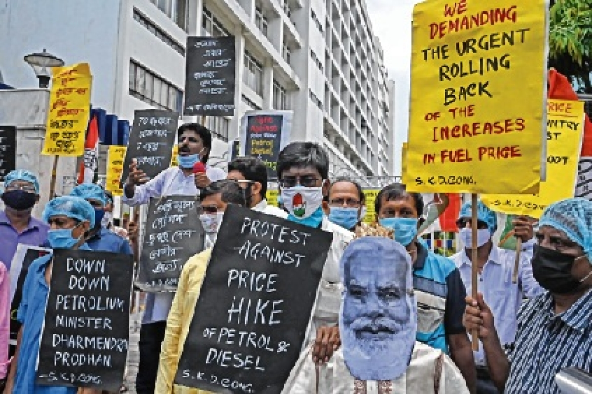 Congress finally steps on gas; 150 protesters detained