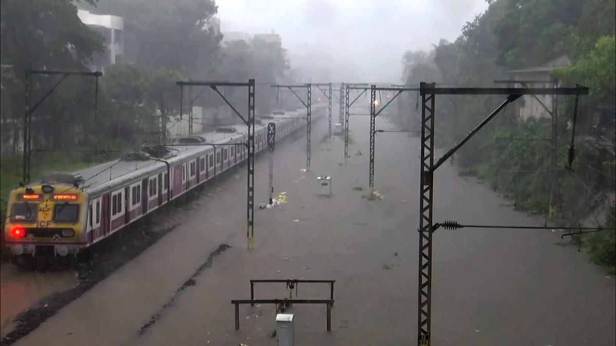 Mumbai: BMC, Railways  take stock of waterlogging