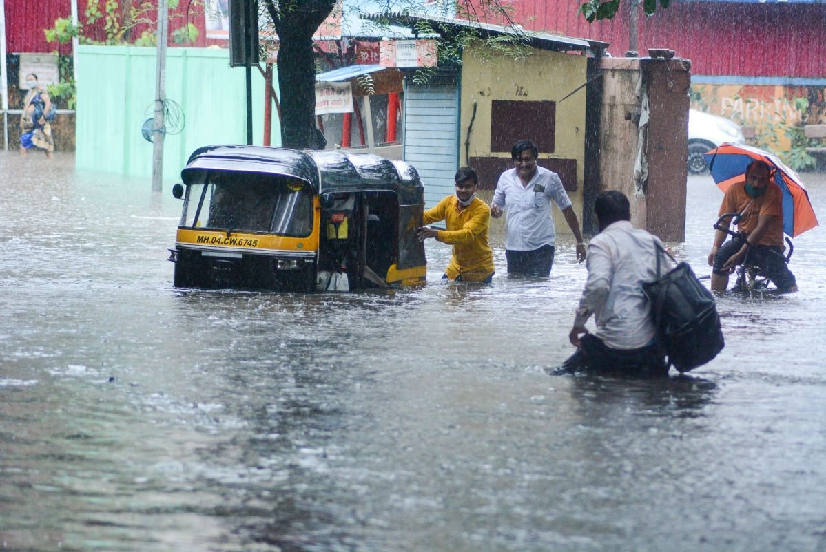 Amid heavy rainfall, civic bodies suspend COVID-19 vaccination in Thane, Kalyan-Dombivli, and Ulhasnagar on June 10