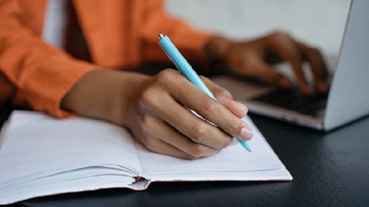Andhra Pradesh: Many students, teachers feel govt should introduce English medium teaching in colleges gradually