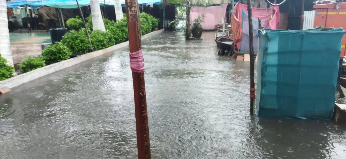 Photos: Waterlogging raises a stink in Mahul dargah in Mumbai