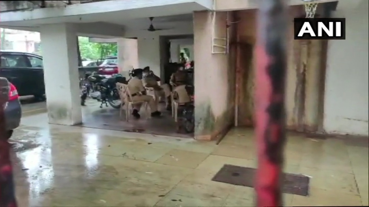 Mumbai: NIA conducts raid at residence of Shiv Sena leader and former 'encounter specialist' Pradeep Sharma