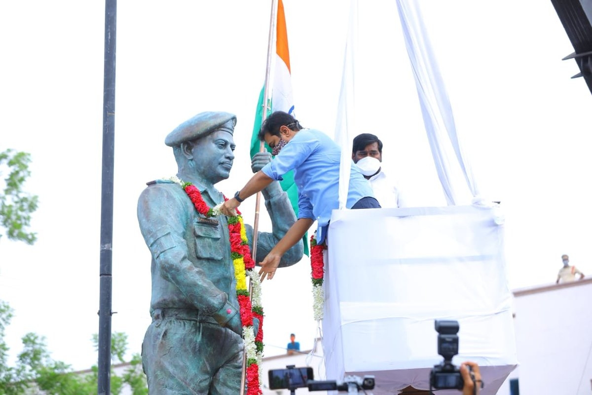 Galwan martyr Colonel Santosh Babu's statue unveiled in Telangana's Suryapet; see pics