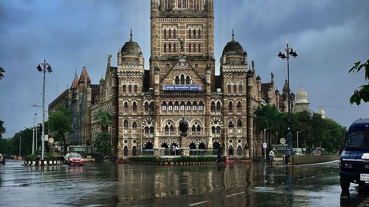 Mumbai: Latest news updates - People's laxity may bring third COVID-19 wave in Maharashtra, says Rajesh Tope