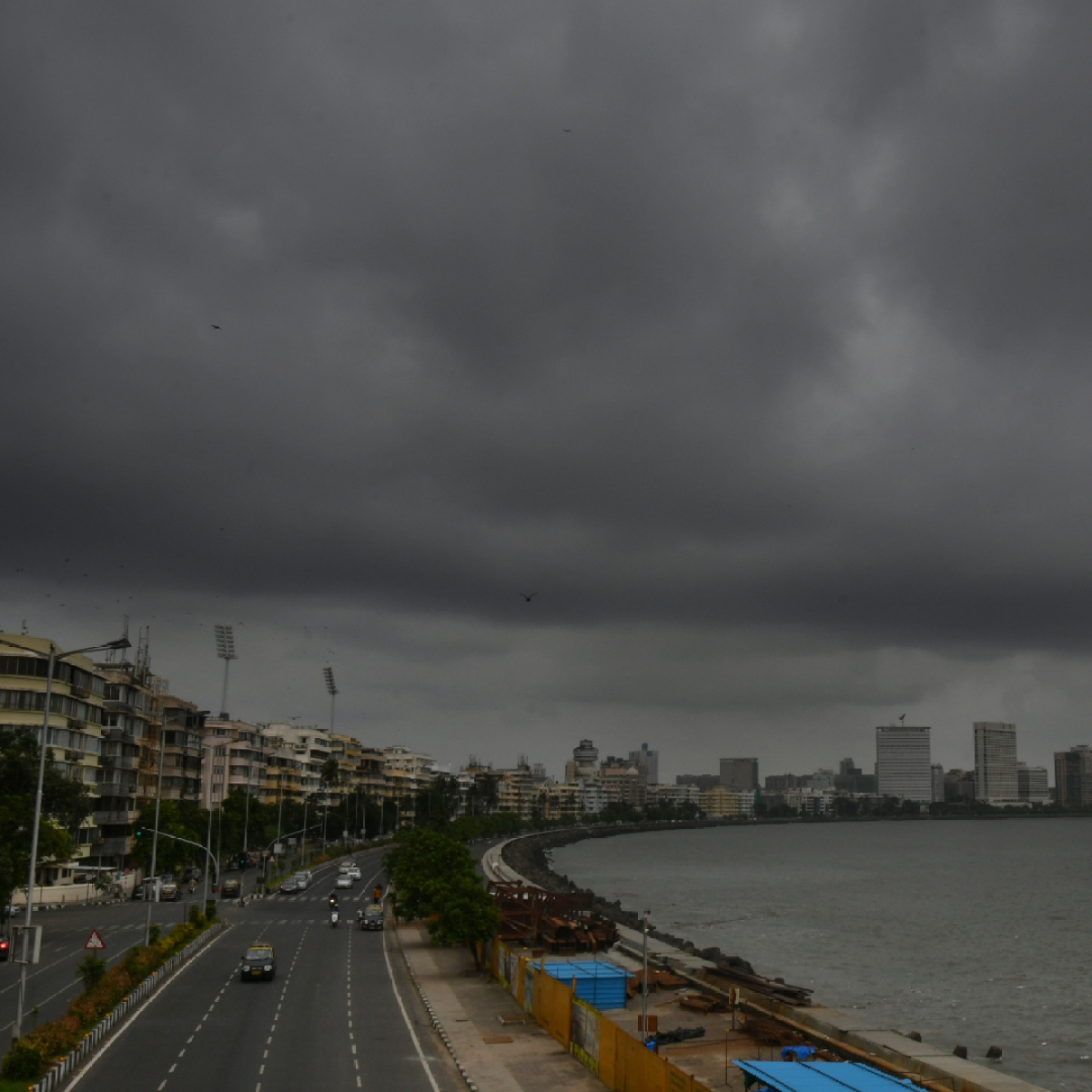 Mumbai weather update: IMD predicts cloudy sky with possibility of light rain or thundershowers