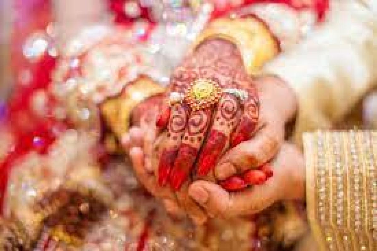 Maharashtra: 4 wed in Ahmednagar jumbo Covid centre, 1,000 patients bless the couples!