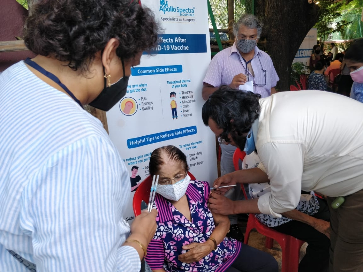 Mumbai: 2,000 Bandra residents take their dose in COVID-19 vaccination drive by Salsette Catholic CHS