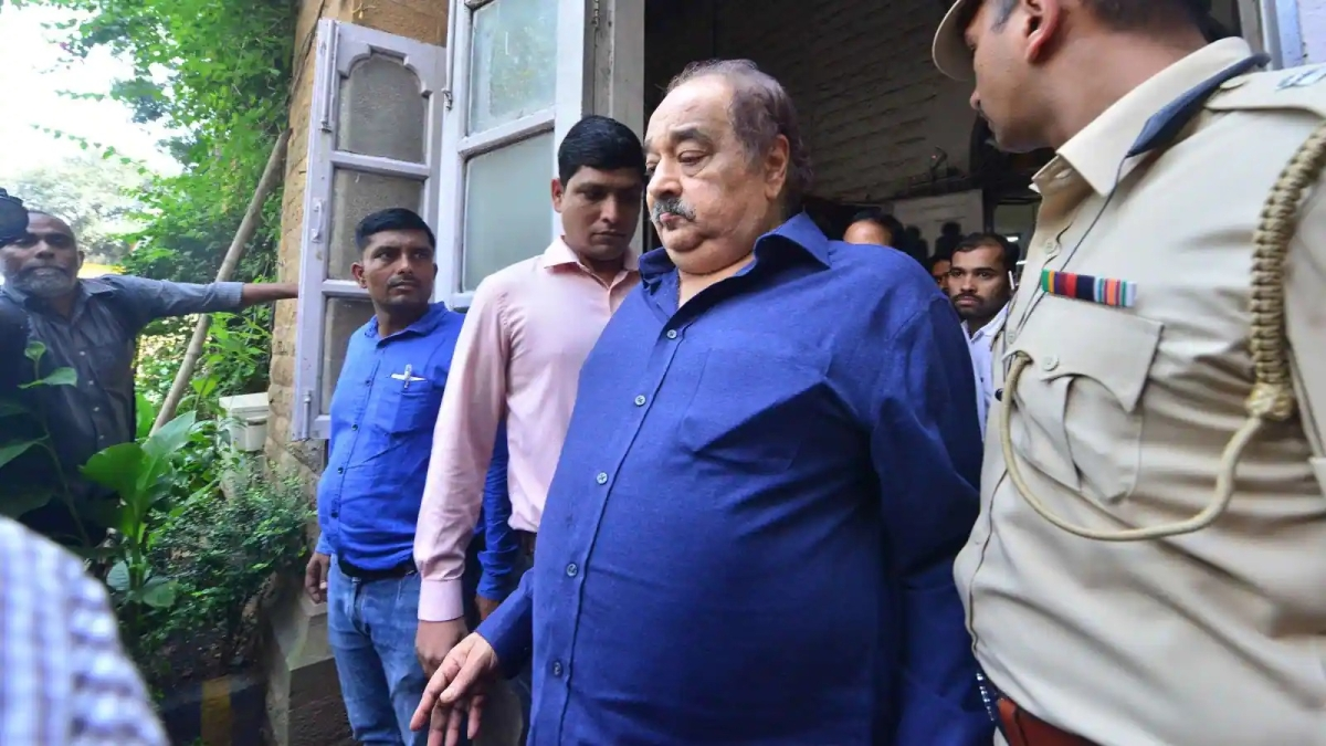 Plea in Bombay HC alleges Wadhawans 'running office' from hospital