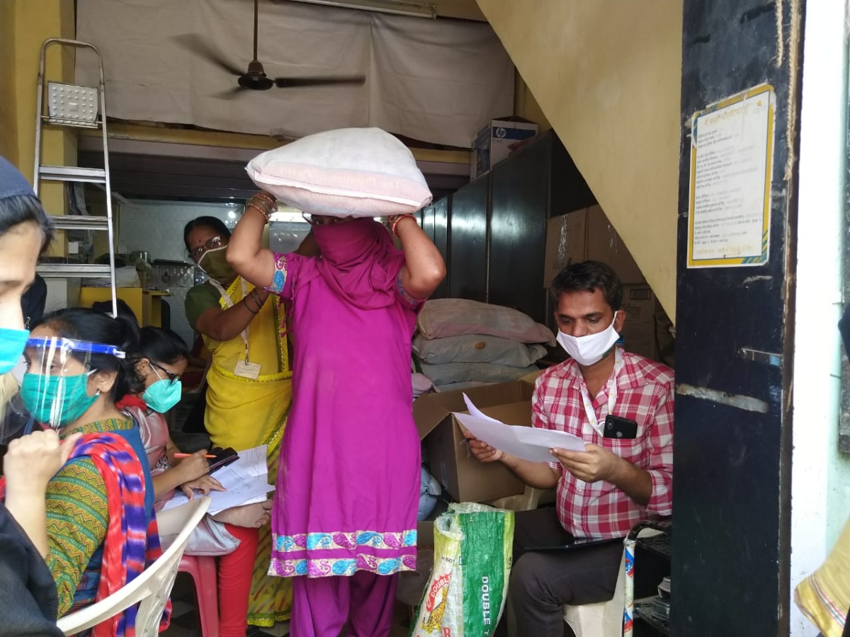 Mumbai: Youth turn community workers, distribute ration kits