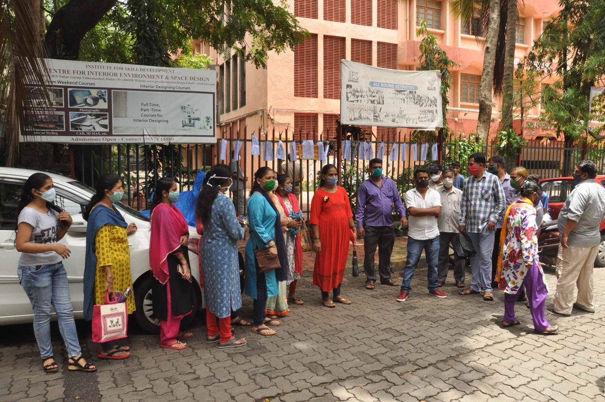 Mumbai: Parents stage protest after students are denied access to online education due to non-payment of pending fees
