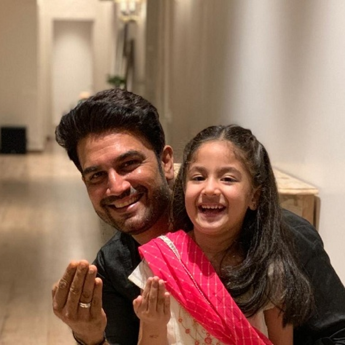 Father's Day 2021: Sharad Kelkar is a fine example of the new-age #girldad