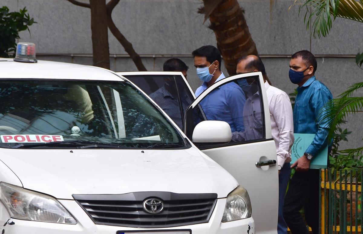 Mumbai: Inspector Sunil Mane arrested in Antilia bomb scare case, dismissed