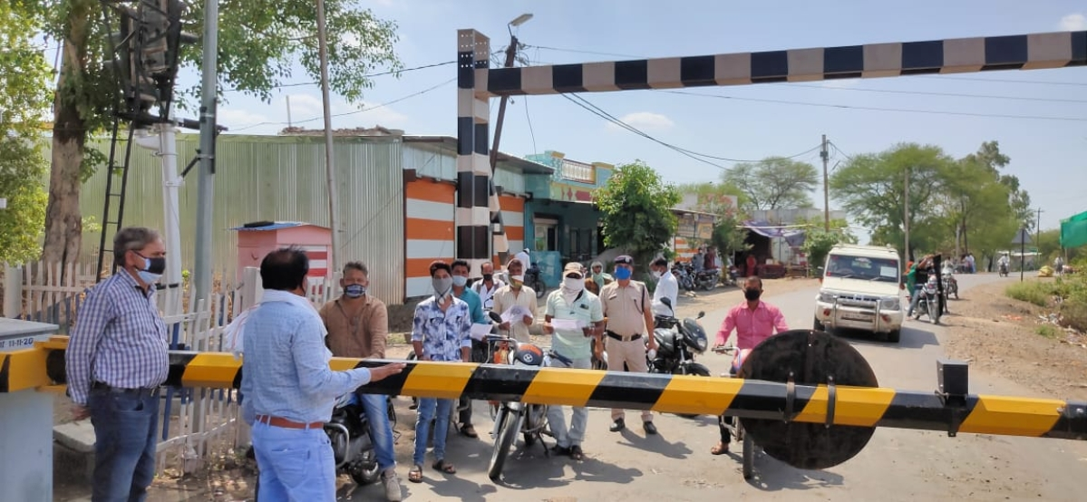 Madhya Pradesh: Ratlam Rail Division holds awareness events on the occasion of International Level Crossing Awareness Day