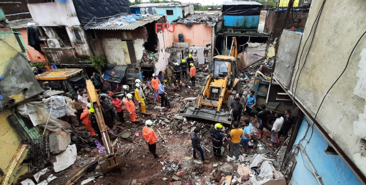 FPJ Legal: Bombay HC orders judicial enquiry in incident of building collapse in Mumbai's Malwani which killed 12 people