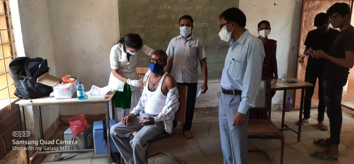 Barwani: Inadequate arrangements at centres impede inoculation pace in Khetia