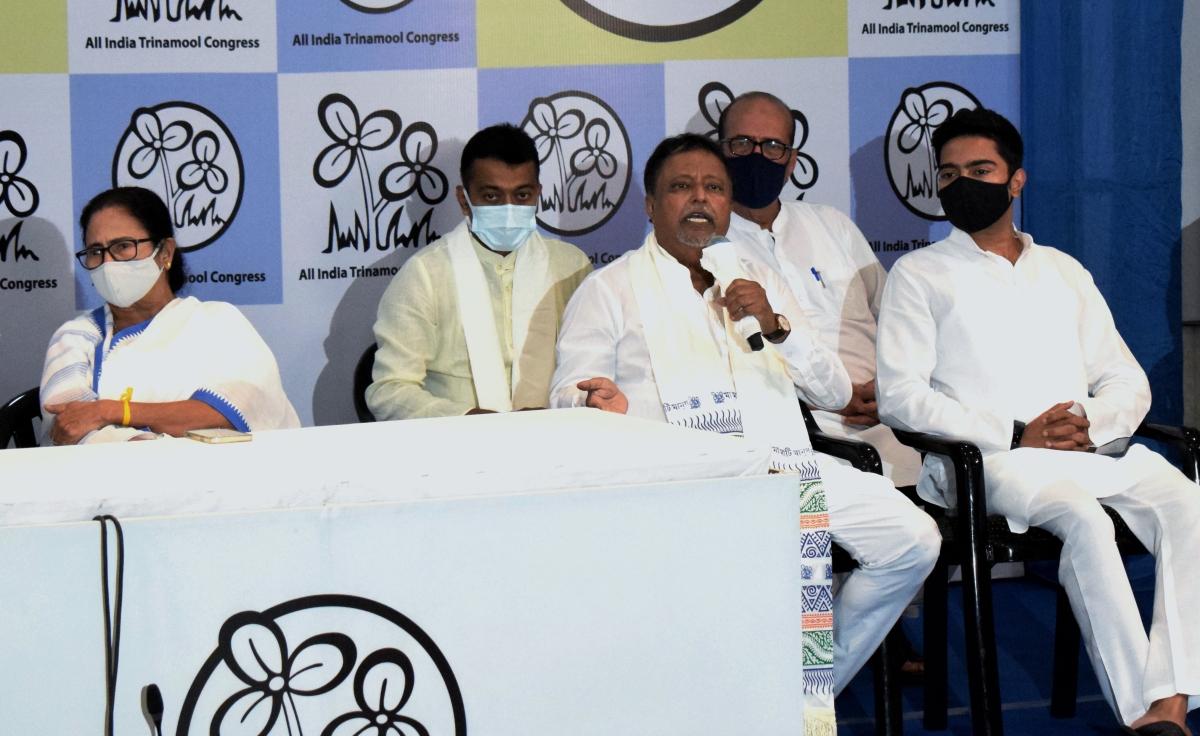 West Bengal, June 11 (ANI): Mukul Roy speaks to media after Join Trinamool Congress at Trinamool Bhavan in Kolkata on Friday.