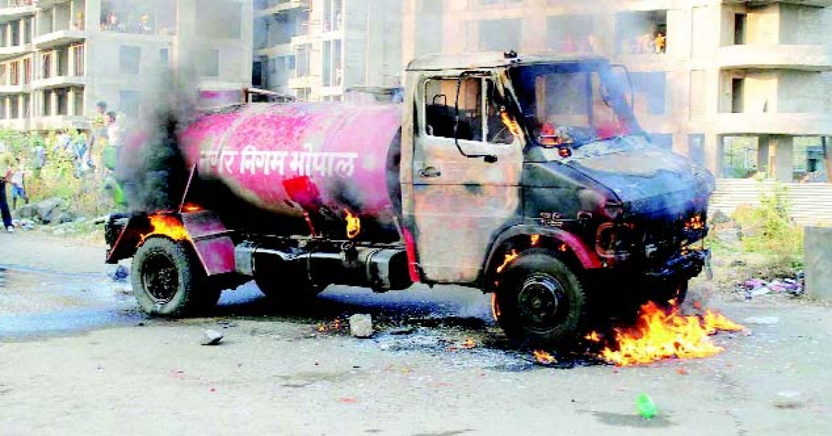 BMC tanker crushes kid in front of mother