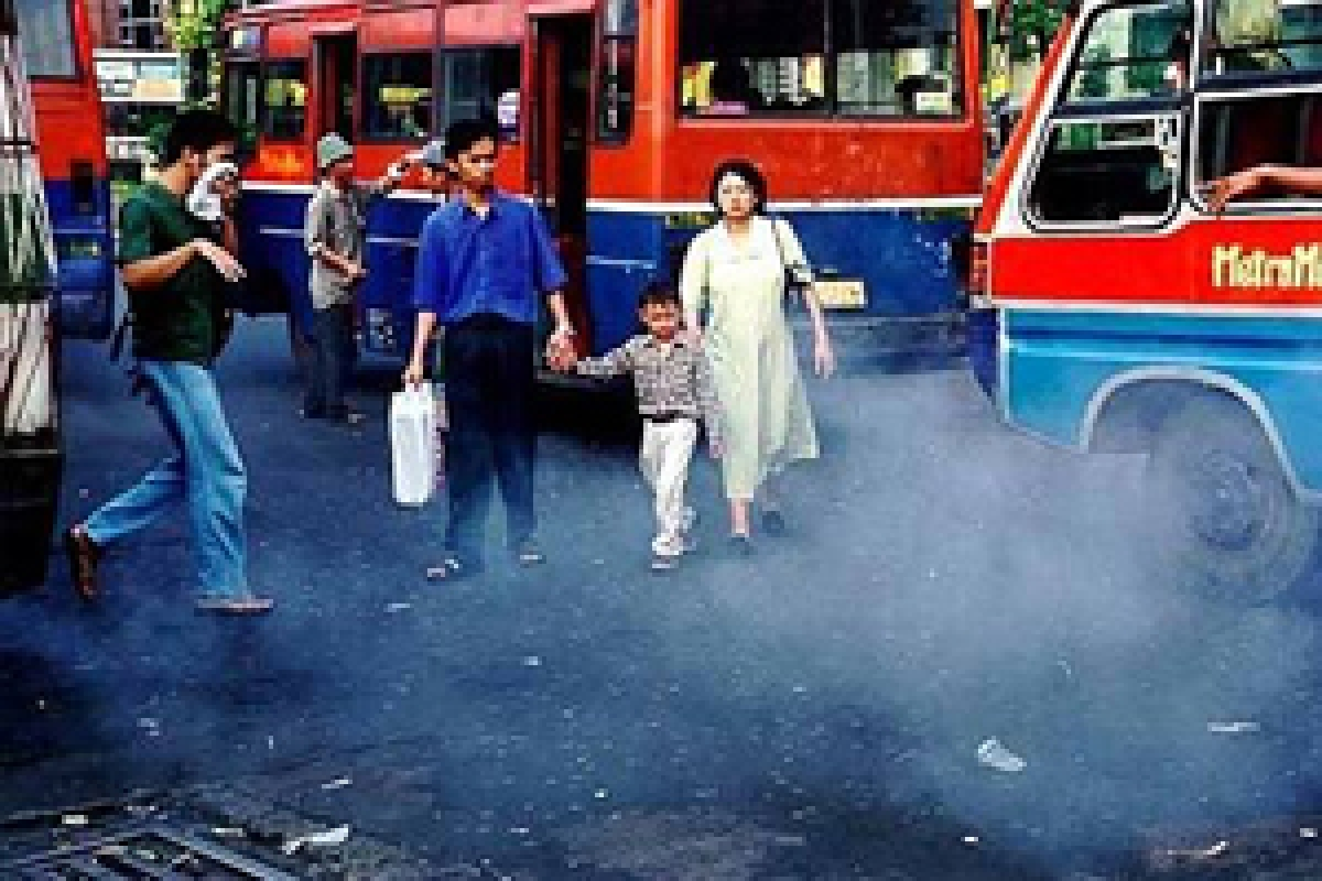 Traffic air pollution in infancy impairs lung function in kids