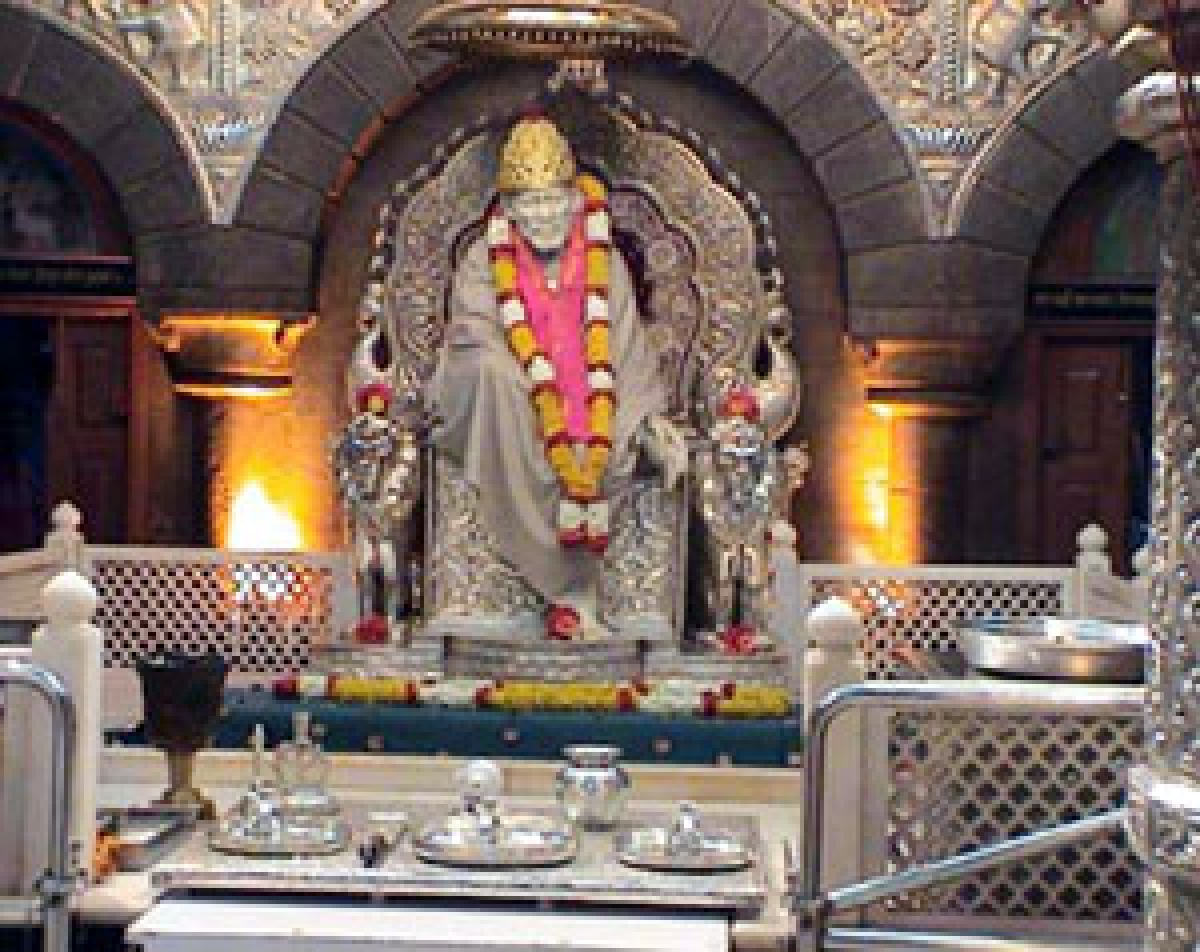 Auction of offerings to Shirdi Saibaba