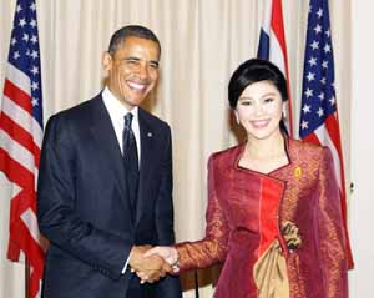 Obama, on Asia trip, first pays visit to Thailand