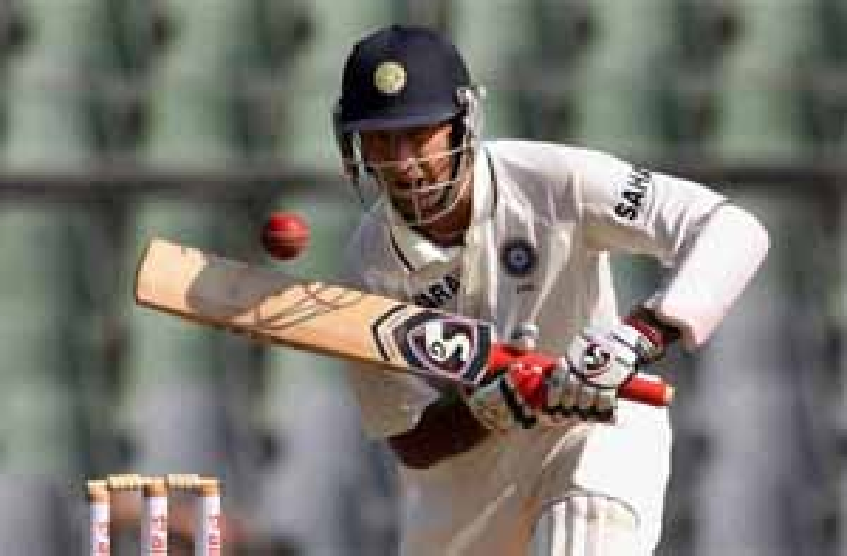 India lose Vijay, Pujara to reach 108/3 at lunch on Day III