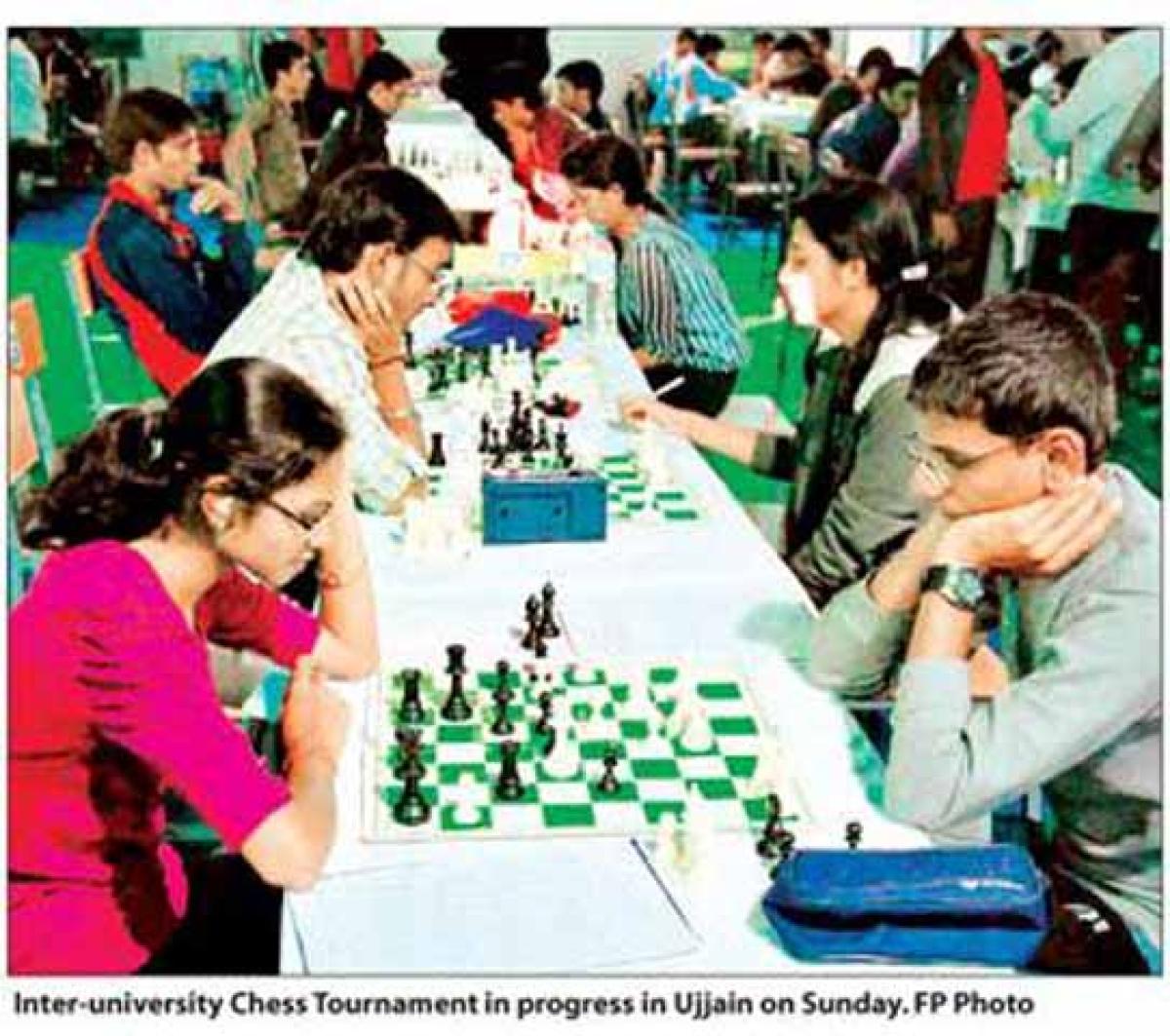 Chess tourney: Host, M'rashtra varsities maintain lead
