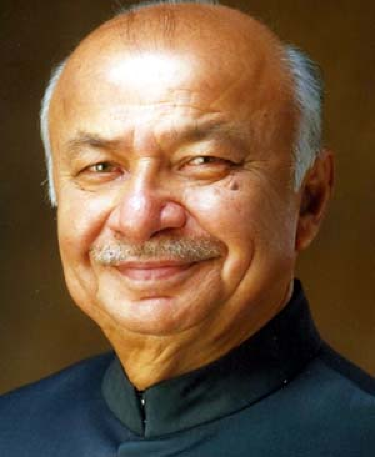 Terrorists investing in stock markets: Shinde