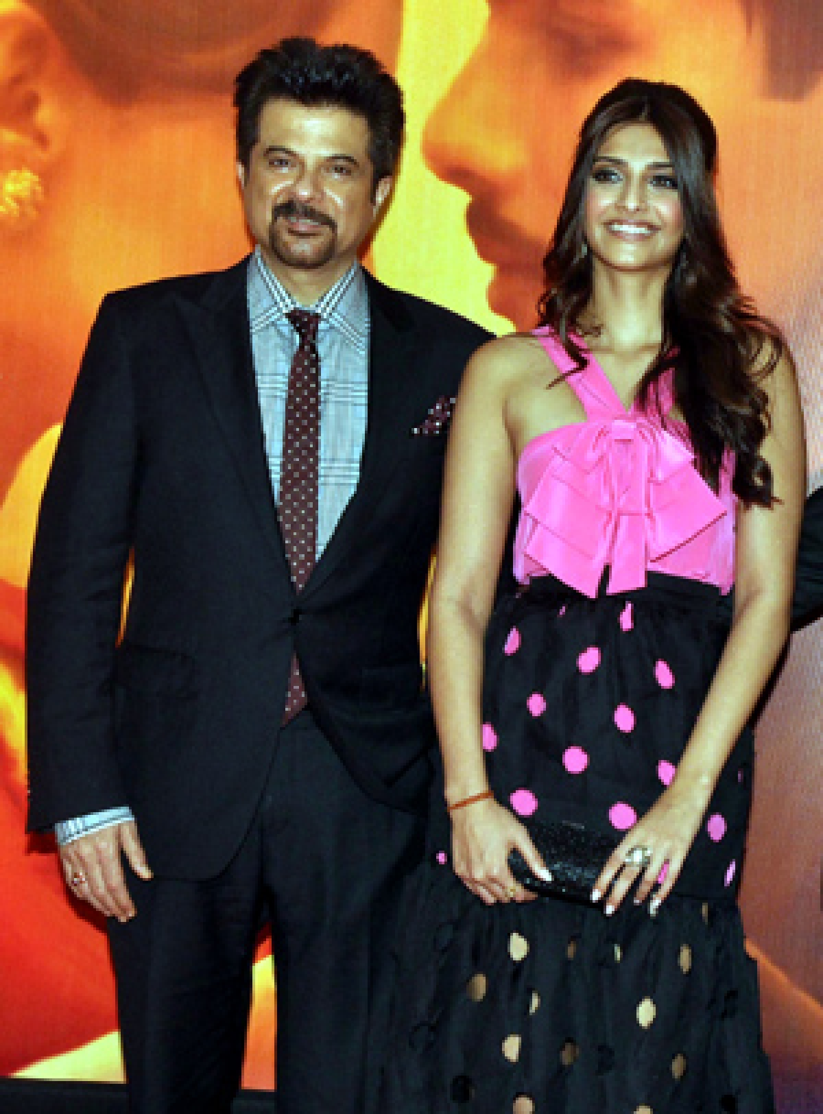 Anil to remake Khubsoorat to revive daughter sonam's career