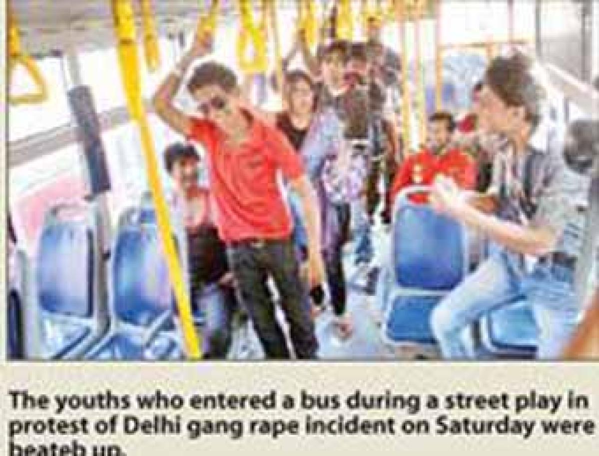 Delhi rape: City bursts out into protest