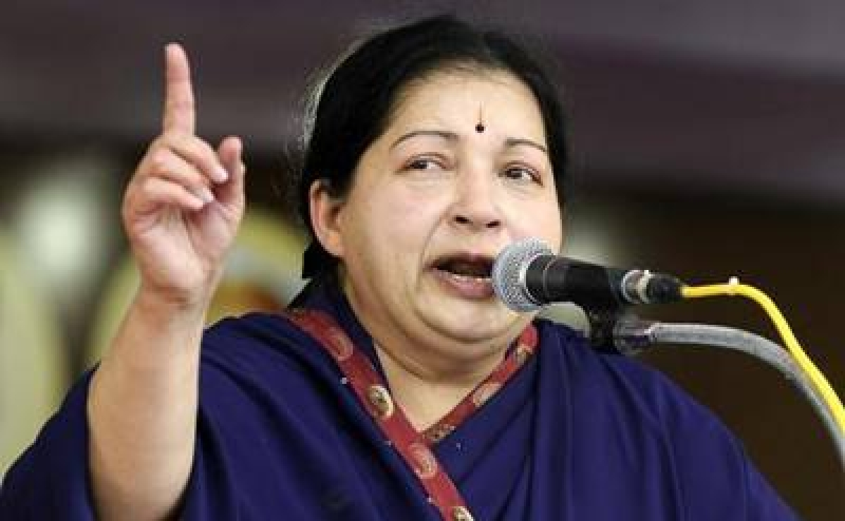 Jaya deplores UPA govt's 'weak' defence policies