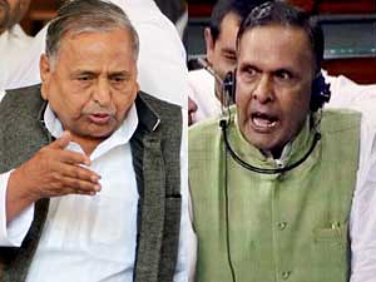 Miffed Mulayam turns LK admirer