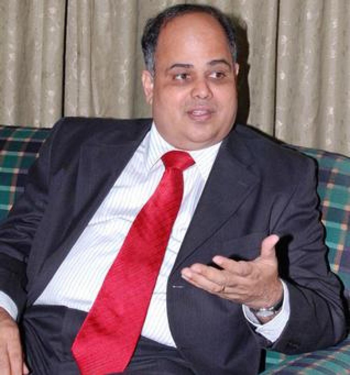 G Srinivasan, CMD,<br />New India Assurance